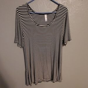 Lularoe striped perfect t